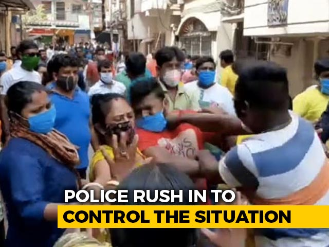 Video : BJP, Trinamool Clash Near Bengal Polling Booth Amid 5th Phase Voting