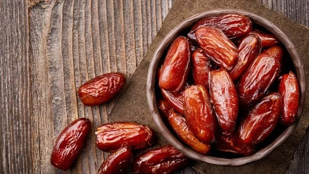Beauty Benefits Of Dates: You Can Keep Skin And Hair Healthy Consuming Dates (Khajoor) Daily