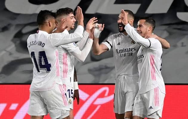 Real Madrid Edge Barcelona In Thriller To Go Top Of La Liga