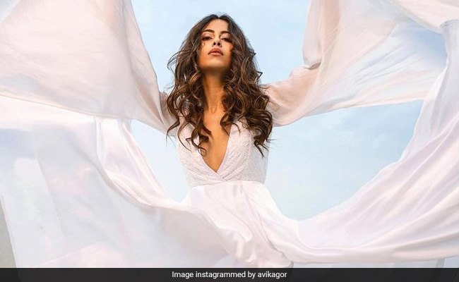 Avika Gor Got Your Attention With Stunning Pics; Now Read Caption On COVID Experience