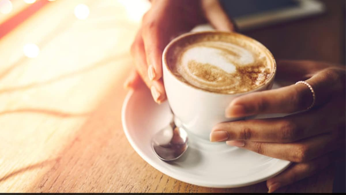 Make Cafe-Style Vanilla Cappuccino At Home With This Easy Recipe