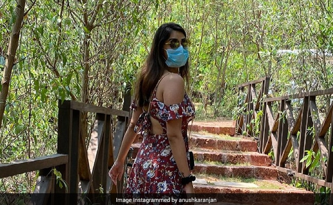 Don't Miss The Most Important Bit In This Pic Of Anushka Ranjan