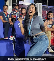 When Chahal's Wife Dhanashree Lost Her Voice In SRH vs RCB Thriller