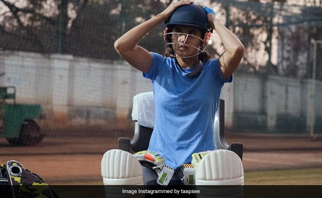 Shabaash Taapsee Pannu: She Braces For Summer Like A Champ