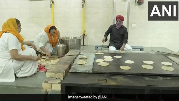 Delhi And Noida Gurudwaras Provide Langar Food For Covid-19 Patients