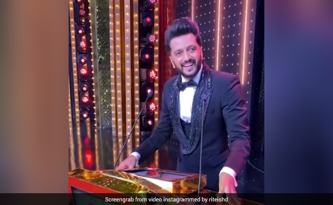 Filmfare Awards 2021: Riteish Deshmukh's ROFL Acceptance Speech For