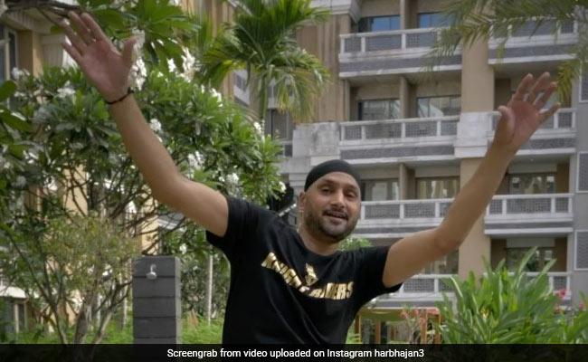 Harbhajan Singh did a tremendous dance on 'Dhol Jagiro Da', then wife Geeta Basra's comment ... View Video