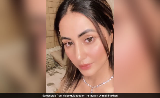 Hina Khan ने 'इन आंखों की मस्ती' सॉन्ग पर किये ऐसे इशारे, Video देख तारीफ करते नहीं थक रहे फैंस