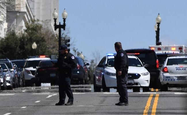 अमेरिकी संसद कैपिटल हिल सुरक्षा कारणों से बंद, संदिग्ध ने वाहन से दो अधिकारियों को कुचला, वाहन चालक की मौत