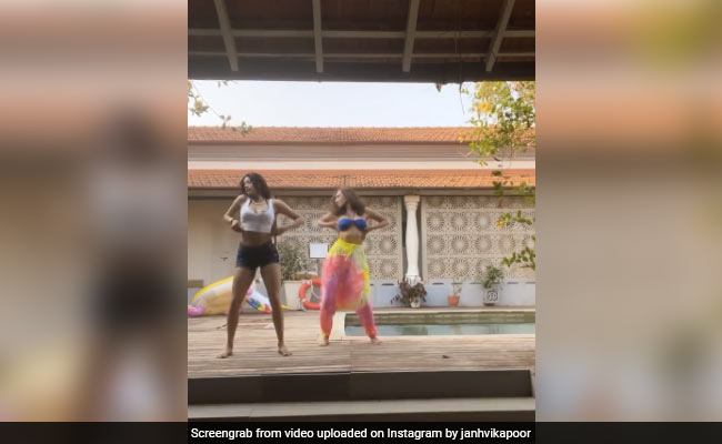 Janhvi Kapoor Danced To Cardi B's Up (Again). This Time, By The Pool