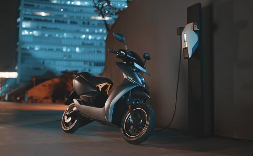 मुंबई में चार्जिंग पॉइंट्स लगाने के लिए कंपनी ने पार्क+ के साथ भागीदारी की है.
