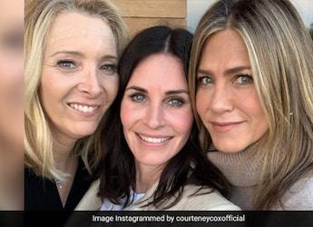 F.R.I.E.N.D.S Reunion: Courteney Cox Makes Turkey Roll; Jennifer Aniston Wants One 'Now'