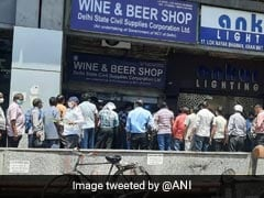 Long Queues At Liquor Shops Ahead Of Delhi Lockdown; A Comment Goes Viral