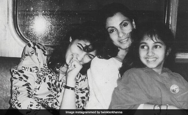 Here's A 'Priceless' Throwback Pic of Twinkle Khanna, Dimple Kapadia And Rinke Khanna