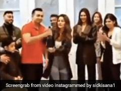 शहनाज गिल ने पार्टी में शैंपेन की बोतल लेकर किया कुछ ऐसा, जोर-जोर से चिल्लाने लगे लोग- देखें Video