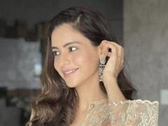 For Ramadan, Aamna Sharif Channels Her Inner Desi Girl In A Pastel Kurta Set