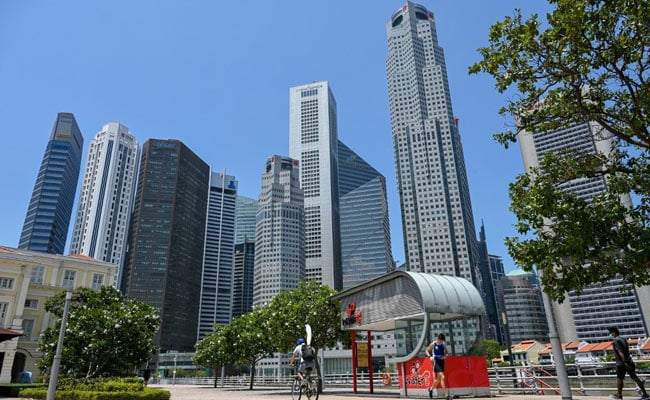Hong Kong And Singapore Aim To Start Travel Bubble In May