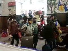 'न कराना पड़े कोरोना टेस्ट..' बिहार के स्टेशन पर मची भगदड़, Video Viral
