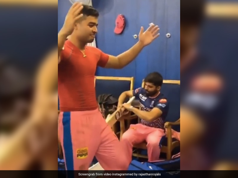 IPL 2021: Riyan Parag Leads Rajasthan Royals' Celebration With Bihu Dance After Win Over Delhi Capitals
