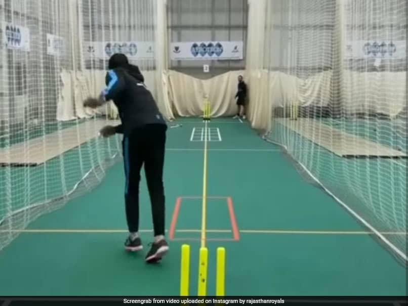 IPL 2021: Rajasthan Royals Jofra Archer Back In Nets After A Freak Hand Injury