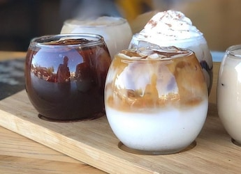 Viral Now: This Unique Iced Coffee Platter Lets You Try 5 Different Flavours