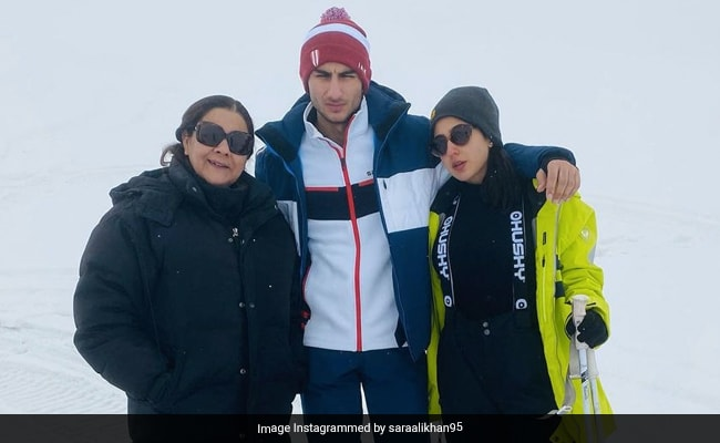 'A Little Bit Of Paradise On Earth': Sara Ali Khan Drops New Pics From Gulmarg