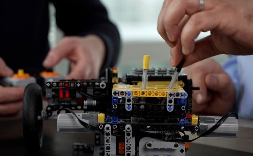 Nicolas used the Christmas holidays to make a model of the innovative transmission out of LEGO