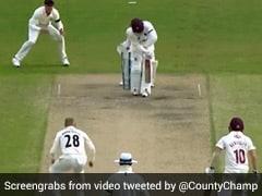 गेंदबाज ने शेन वॉर्न की 'बॉल ऑफ द सेंचुरी' की तरह पिच पर घूमाई गेंद, 28 साल बाद देखा गया ऐसा..देखें Video