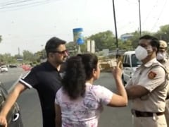 """""""Will Kiss Husband"""": Delhi Couple Misbehaves With Cops Over Curfew Check"""