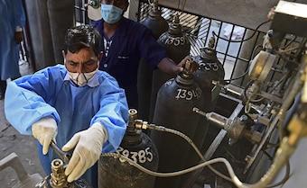 3 Top Delhi Hospitals Get Oxygen Supply After High Court Pulls Up Centre