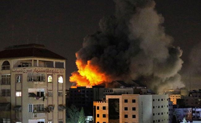 Israel, Hamas Escalate Deadly Strikes, UN Says 'Stop Fire Immediately'