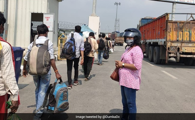 26 Jharkhand Migrant Workers Brought Home After Getting Stranded In Nepal