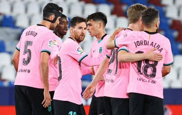La Liga: Barcelona Title Hopes Hanging By A Thread After Levante Draw