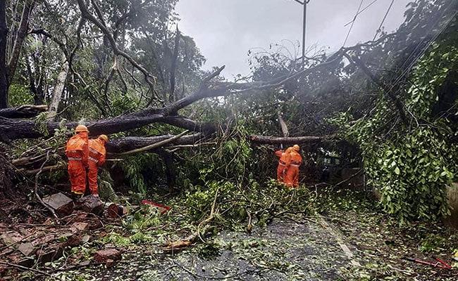 Cyclone Tauktae LIVE Updates: IMD Alert Cyclone Tauktae Intensifies Hit Maharashtra After Kerala Goa And Karnataka – Cyclone Tauktae LIVE Updates: तूफान के और अधिक शक्तिशाली होने की संभावना