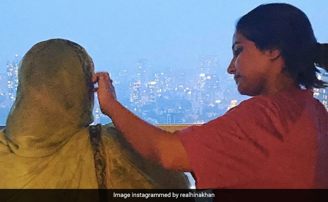 'I Am No Therapist, But Will Look After You,' Writes Hina Khan For Her Mother In An Emotional Note