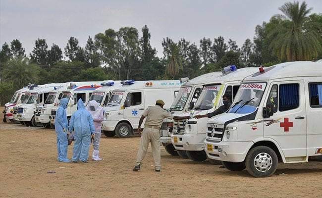 4.03 Lakh Fresh Covid Cases In India, 4,092 Deaths In 24 Hours: 10 Points