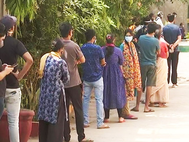 Video : Long Queues On Day 1 Of Delhi's Mass Vaccine Rollout For 18+