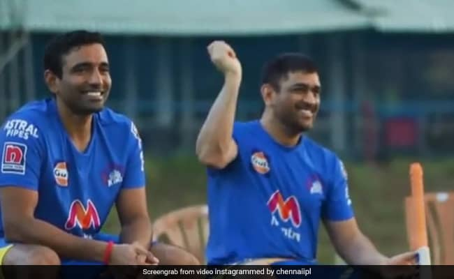 Jadeja reacted On Dhoni imitated the fencing, Says Should try with bat watch VIdeo