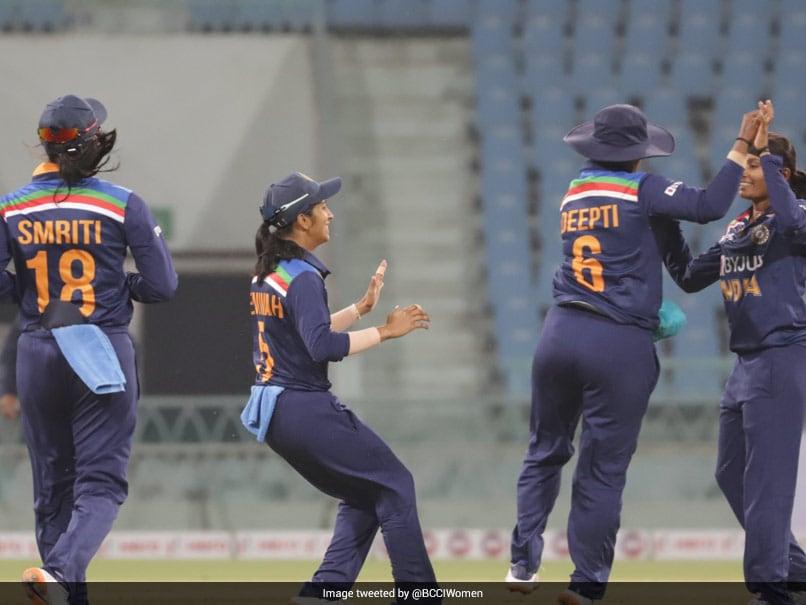 Incumbent WV Raman, Ex-Coach Ramesh Powar Interviewed For Indian Women's Cricket Head Coach Job | Cricket News