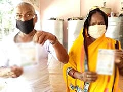 Covishield + Covaxin: Villagers Get Mixed Shots In UP Government Hospital