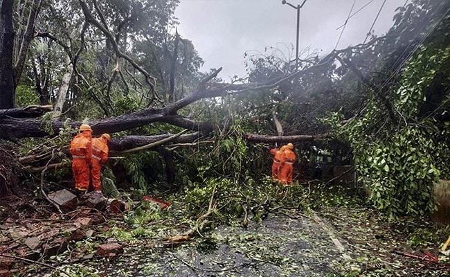 चक्रवाती तूफान ताउते से प्रभावित होने वाले जिलों में NDRF की 100 टीमें तैनात