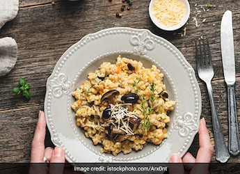 How To Make Khilli Hui Khichdi: A Yummy And Easy Dish For A Wholesome Meal