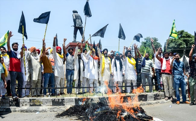 Centre Should Break Its 'Silence' On Farmers' Protests: Shiv Sena