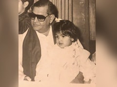 Just A Priceless Memory Of Raj Kapoor With His Granddaughter Riddhima. Pic Courtesy - Neetu Kapoor