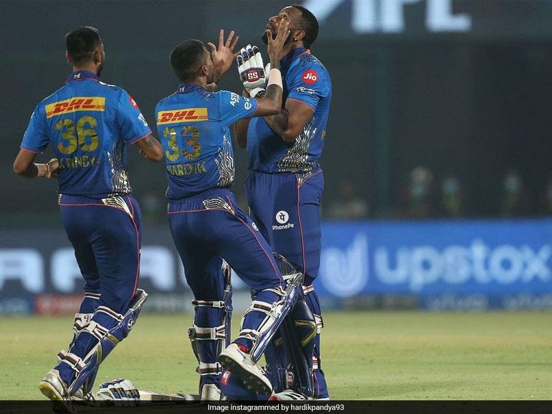 IPL 2021: Hardik, Krunal Pandya Tip Their Hats To Kieron Pollard After Mumbai Indians's Thrilling Win Over CSK