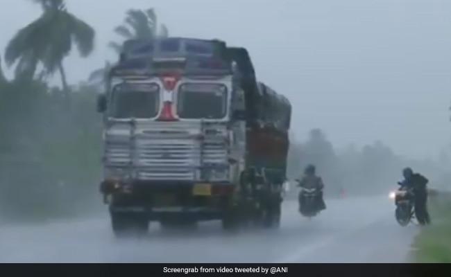 Cyclone Yaas: आज सुबह भारतीय तट से टकराएगा 'यास', NDRF की तैयारी पूरी!