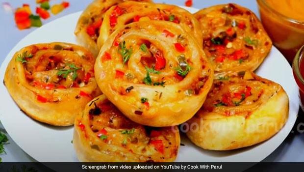 Lockdown Cooking: How To Make Tawa Pizza Pinwheel In 10 Minutes