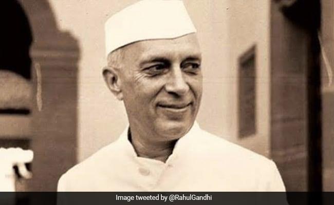 Jawaharlal Nehru's Death Anniversary: Netizens Pay Homage, Post Rare Pics