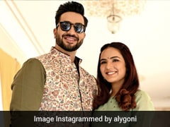 """Hello Beautiful,"" Writes Aly Goni On Pic He Took Of Girlfriend Jasmin Bhasin"