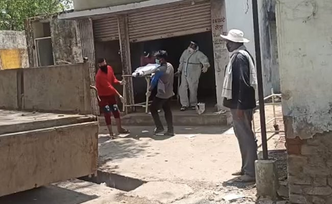 Man's Body Taken For Funeral In Garbage Truck In Madhya Pradesh